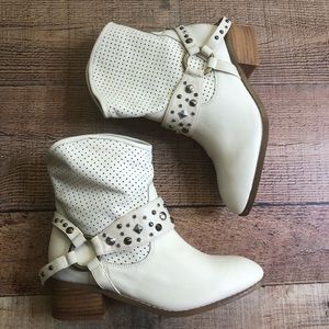 Twiggy London Ivory Leather Stud Strap Ankle Boot